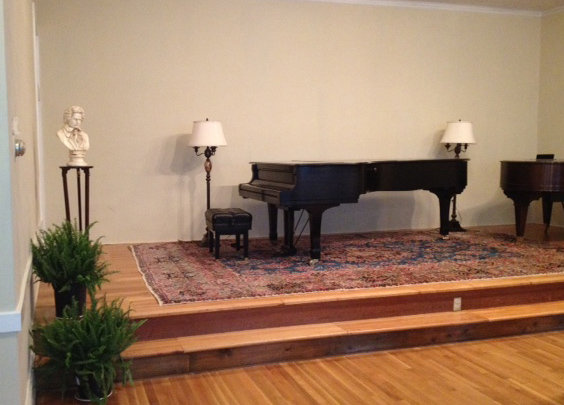 Beethoven Club piano